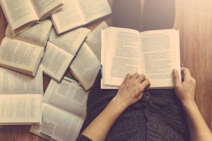 What's on Your Bookshelf? Peer Recommendations for CMOS